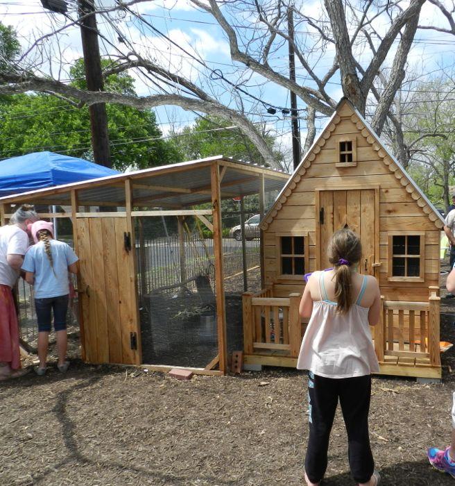 dollhouse coop