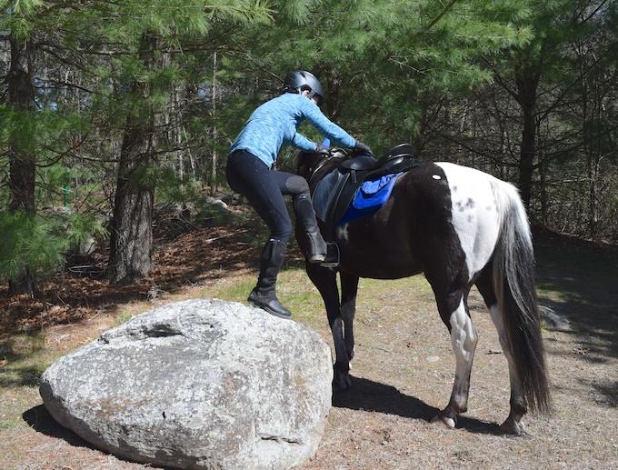 rock mounting block