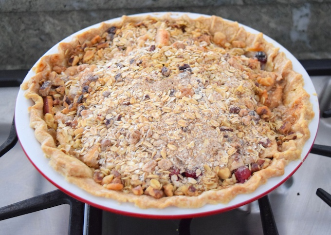 apple cranberry pie with crumble