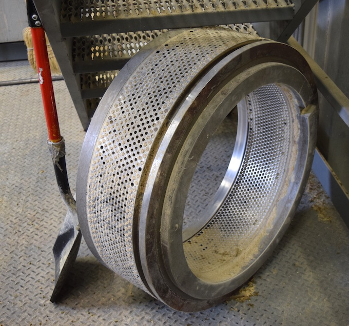 pelleting wheel