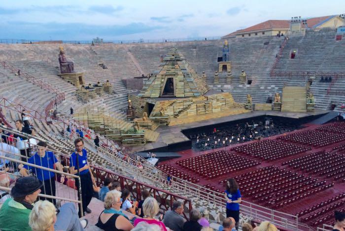 Aida set